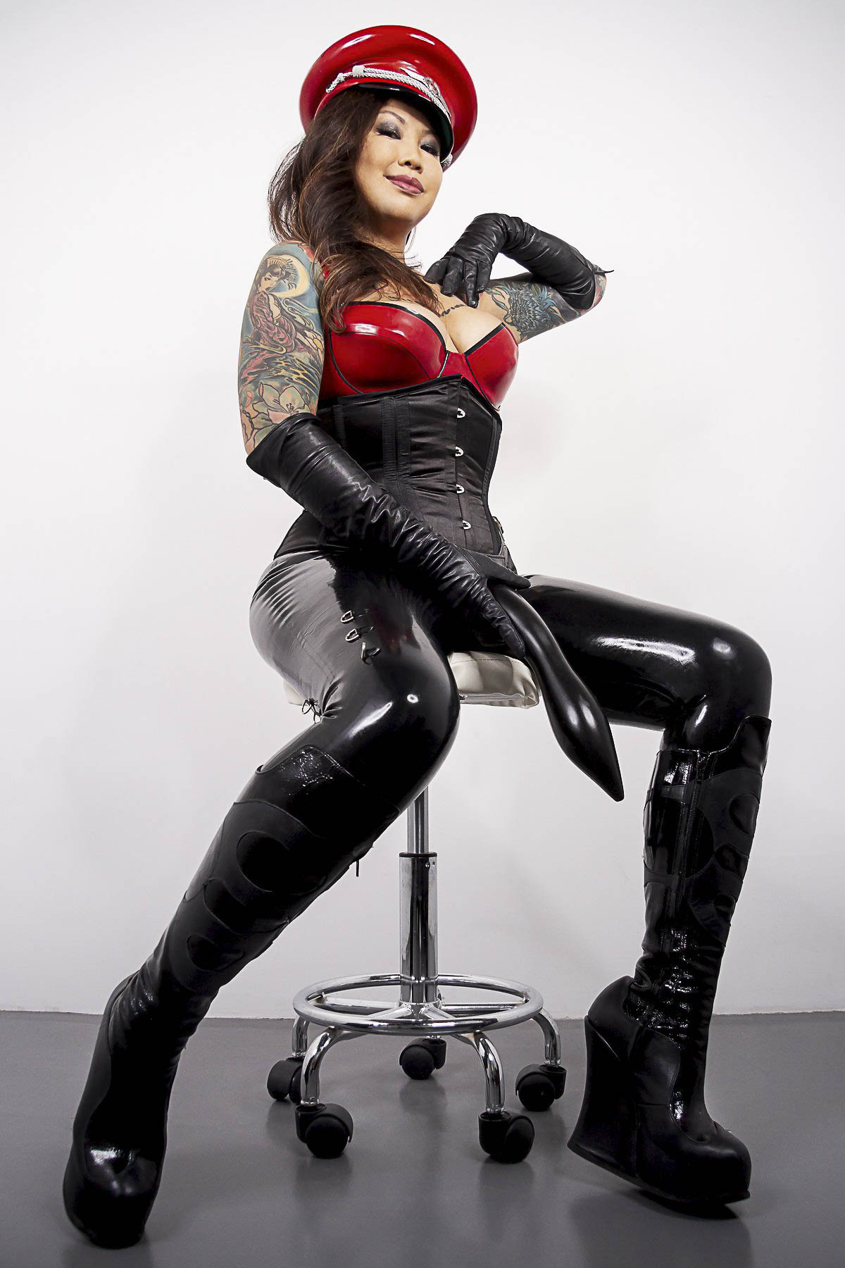 London Medical Fetish Dominatrix Madame Li Ying